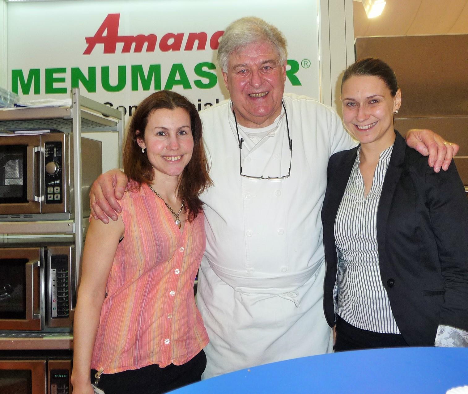 2015-Prague (Tchequie) Guy Janssen avec son équipe locale